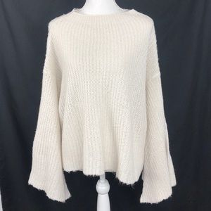 Design Lab woman's big knit bell sweater